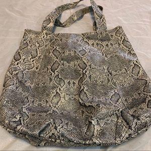 Handbags - Unbranded vinyl faux snake skin large tote purse